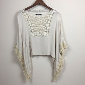 ARK & CO Fringed Lace Batwing Cropped Blouse